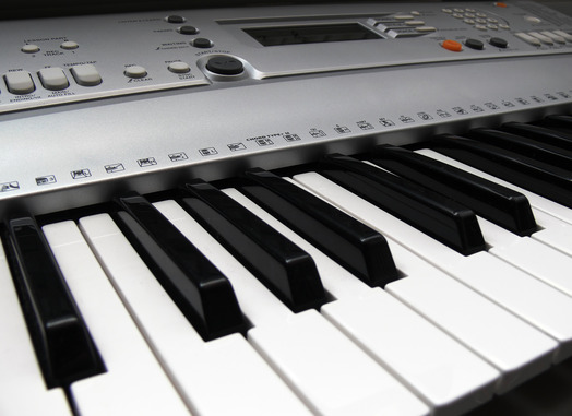 how to connect electric piano to computer