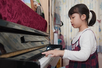 Is Your Piano Posture Correct?