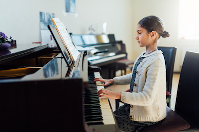 Playing Piano And Engaging Your Brain Two Hands At A Time