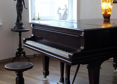 Piano Accessories for Improving Your Piano Performance