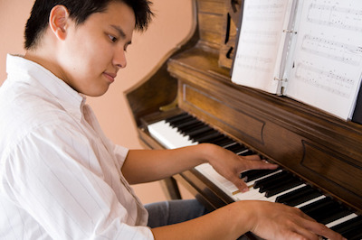 Do Men Or Women Play Piano More?