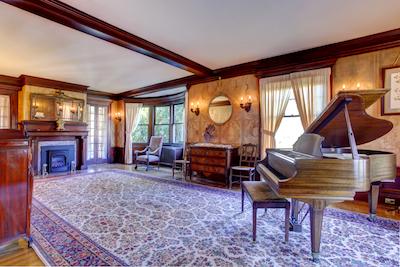 Arranging Your Living Room Around A Grand Piano