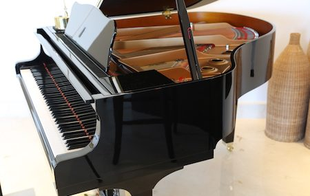 Can A Grand Piano Be Stored On Its Side?