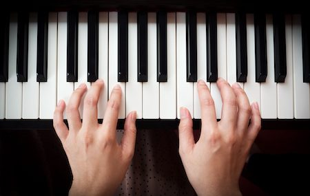 Can You Excel At The Piano With Small Hands?