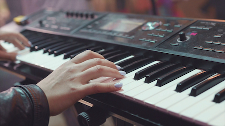 The Benefits of Buying a Digital Piano